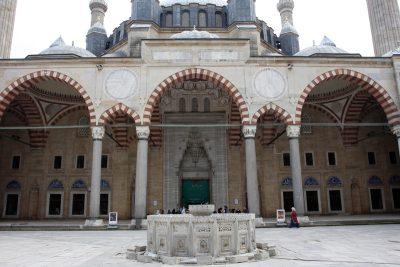 Selimiye Camii - Avlu