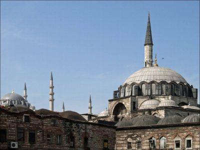 Rüstem Paşa Camii -01