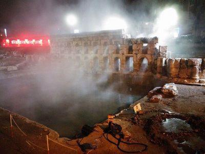 Roma Kral Kızı Hamamı gece
