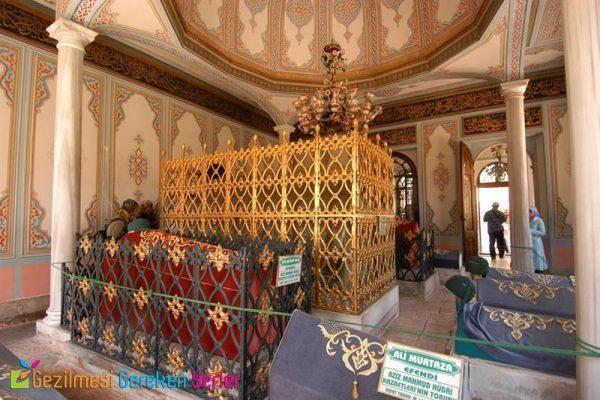 Aziz Mahmud Hüdayi Camii ve Türbesi