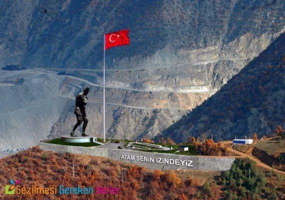 Atatürk Heykeli Artvin