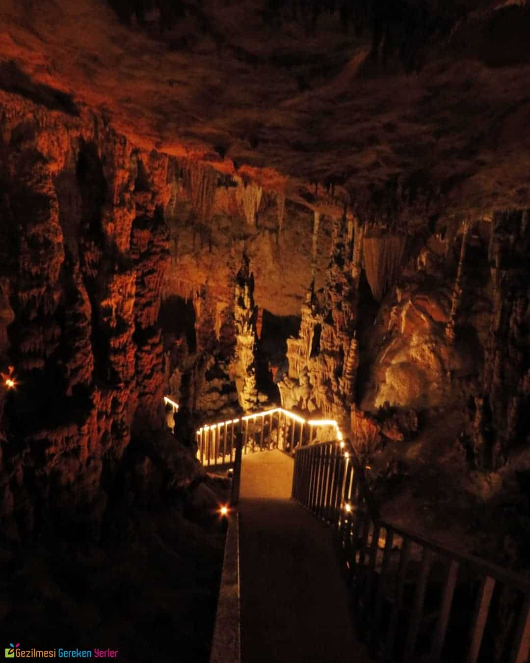 Aynalıgöl Mağarası Ziyaret Saatleri ve Giriş Ücreti