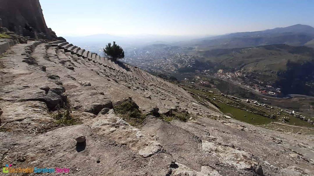 Akropol tepesi Dikili İzmir