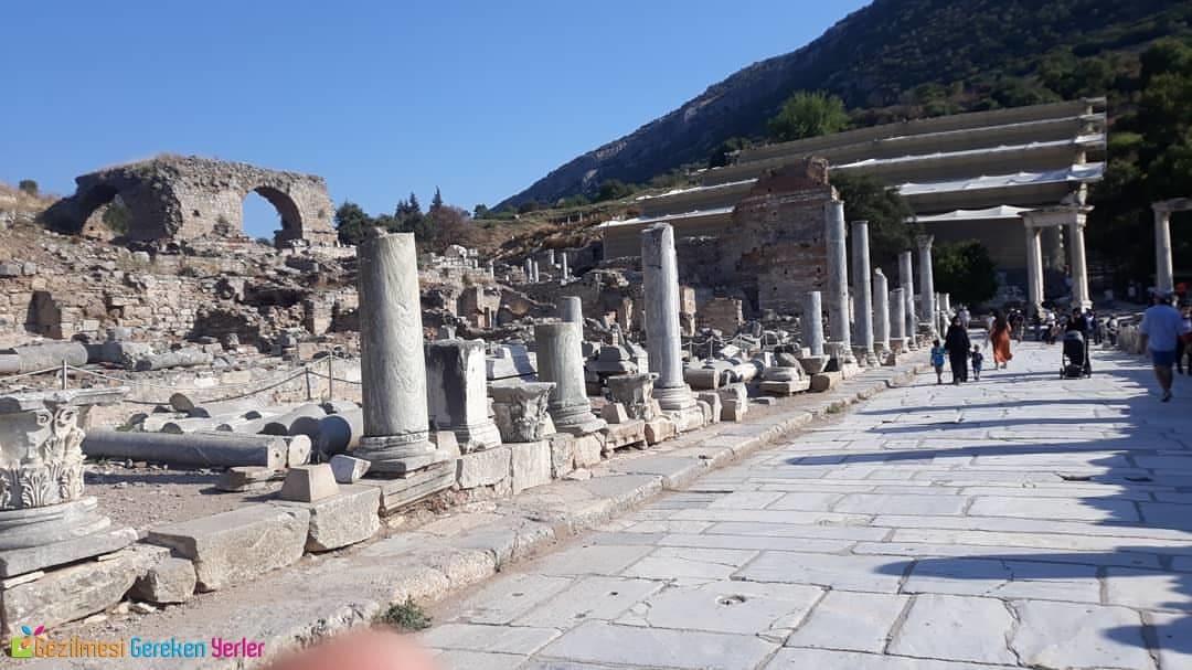 Mermer Cadde - Efes Antik Kenti Gezilecek Yerleri