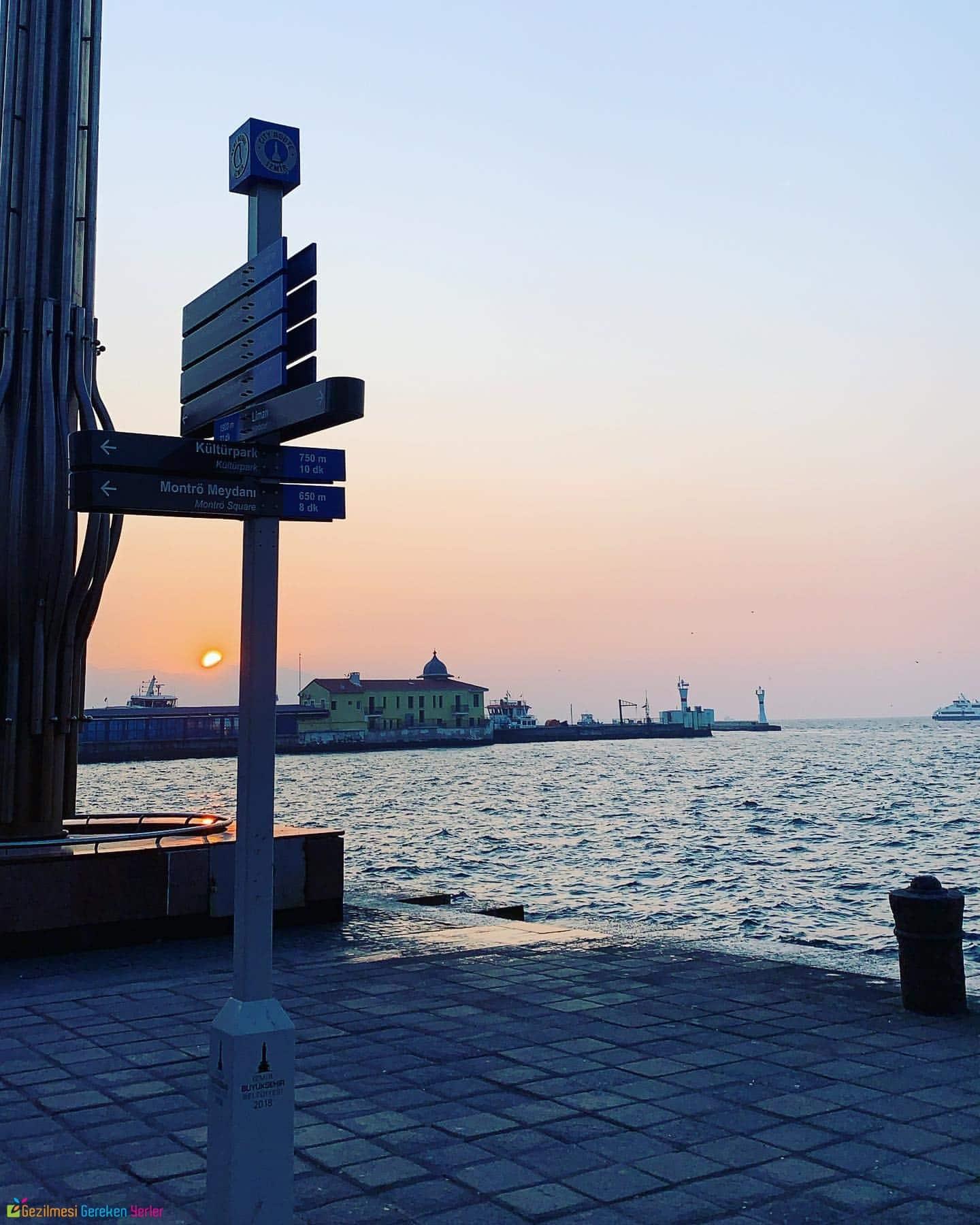 Pasaport İskelesi İzmir