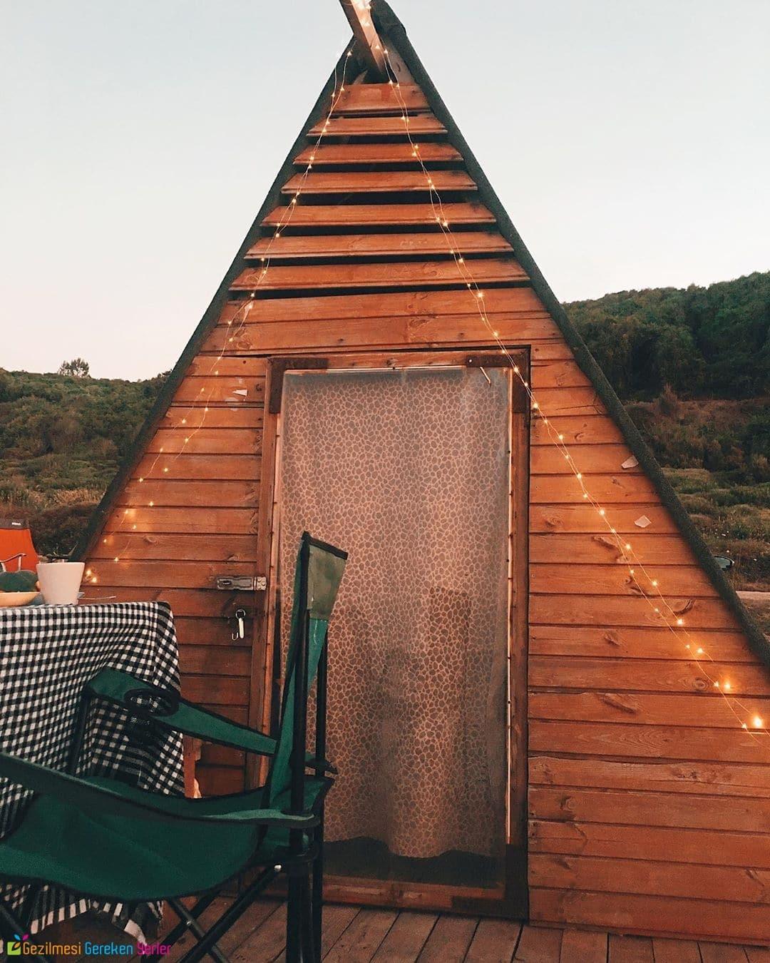 Sahil Kamp Bungalov Ağaç Evde Konaklama