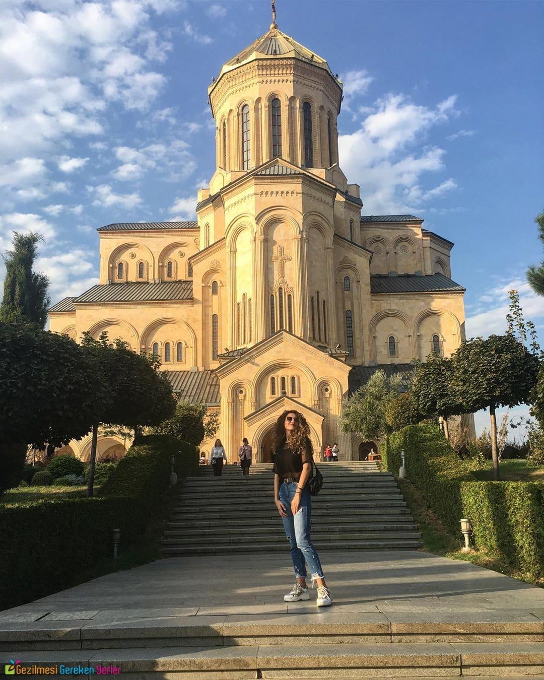 Sameba Katedrali - Tiflis Gezi Bilgileri