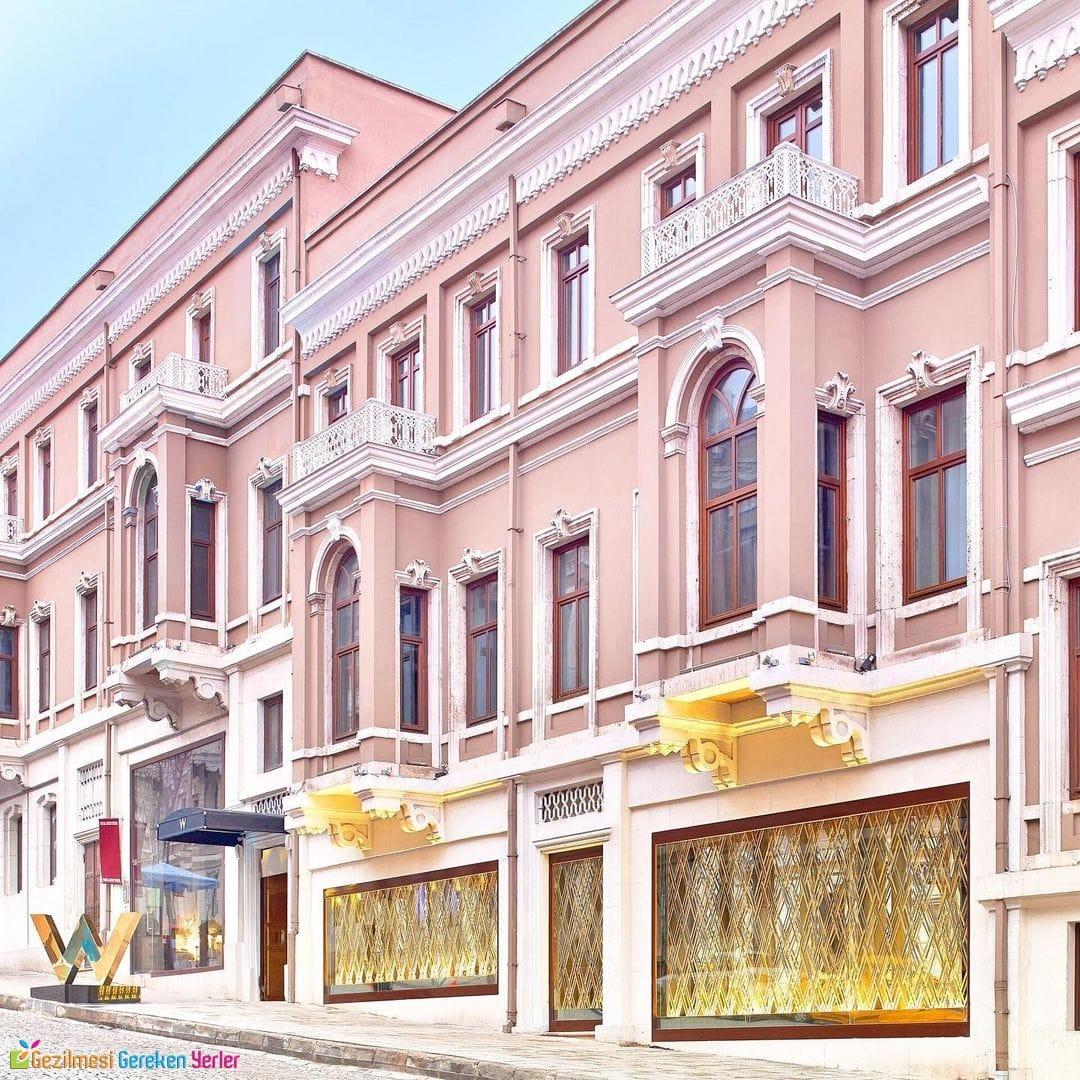 W İstanbul